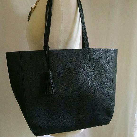 73d57cada8 Large pebbled leather tote bag OLD NAVY. M 5990c7602de512e2341249ea