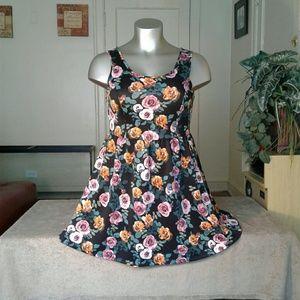 Dresses & Skirts - Forever 21 Flower Printed Beautiful Dress