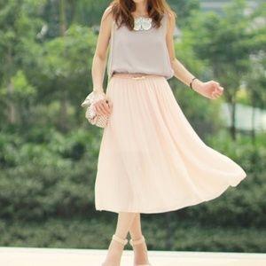 Dresses & Skirts - NWOT Pink & Grey Pleated Dress