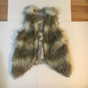 Skies are Blue Faux Fir Vest Size M