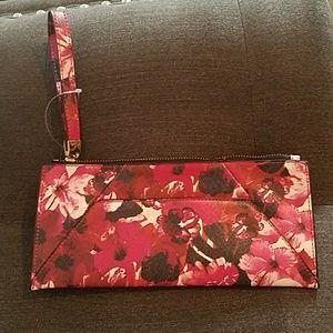 Handbags - Brand New Flower Clutch