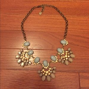 Jewelry - Beautiful statement necklace!