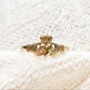 Jewelry - Solid 10k gold claddagh 🍀Irish ring