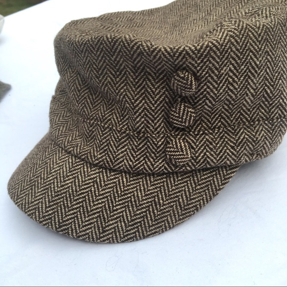 Accessories - Brown hat