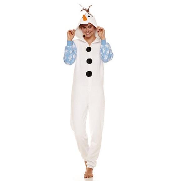 NWT Disney s Frozen Olaf One Piece Pajama f73f4eb2d