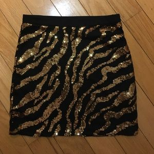 Dresses & Skirts - SPARKLE MINI! YOWZA! 💋