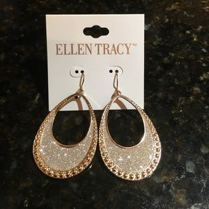 Jewelry - SPARKLY EARRINGS! Yay!