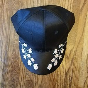 Accessories - Embroidered Flower Cap
