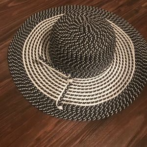 Nordstrom Accessories - Black and White Floppy Hat One Size Nordstrom Rack