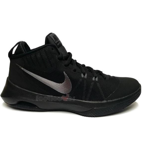 le scarpe nike air versitile black scarpe 852433001 poshmark