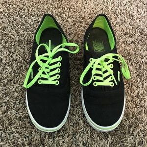 Woman's vans authentic lace up casual trainer