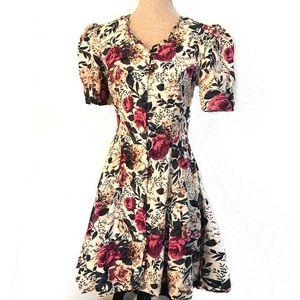 Vintage 90's grunge Floral dress w/ rose buttons
