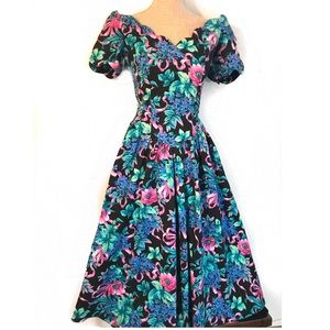 Vintage off the shoulder Floral 80's dress