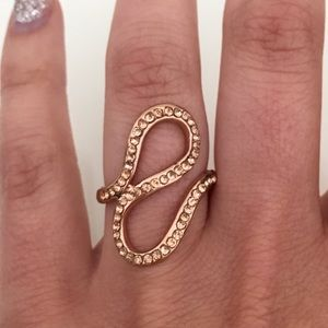 Jewelry - Rose-gold colored ring