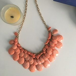 Jewelry - Bubble layered necklace!