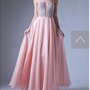 Dresses & Skirts - Pink blush prom dress