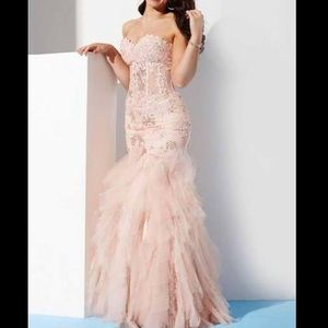 Jovani Dresses - Jovani pink dress