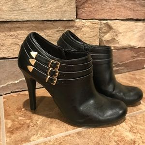Shoes - Ankle boot heels