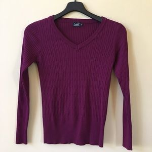 Sweaters - Magenta v neck sweater