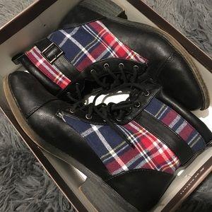Leila Stone Plaid Boots Size 7.5