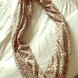 Accessories - Like new cheetah print infinity scarf