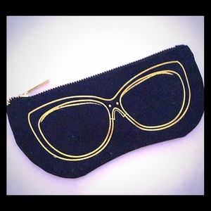 Avon Black Eye glass case with Gold tone Zipper