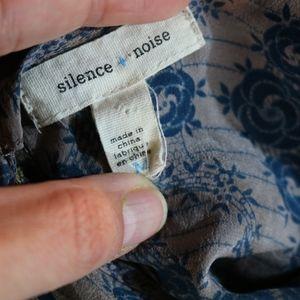 silence + noise Tops - EUC Silence + Noise top - M