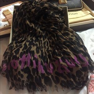 Authentic Louis Vuitton Limited Edition scarf💕