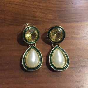 Rhinestone Pearl Bead earrings