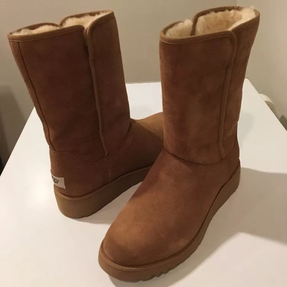 822a95cffbc1c New Ugg Chestnut Amie Suede short boots ❤️SALE ❤️