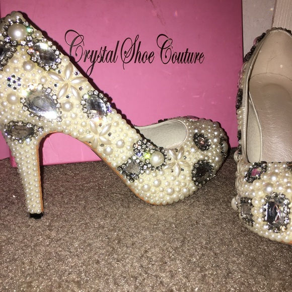 6cb418f25 Pearl heels. NWT. Crystal Shoe Couture