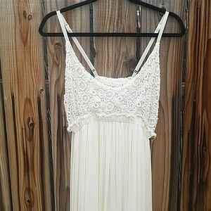 Dresses & Skirts - Maxi boho pearl color dress