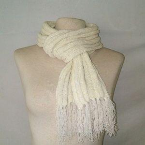 #hundredsofscarves: WINTER White Knit Scarf
