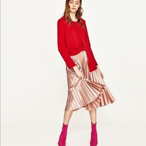 Pleated pink skirt BRAND NEW