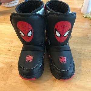 Size 6 Toddler Spider-Man snow boots