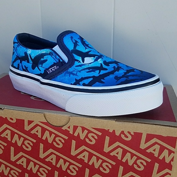 684e05c9e45e Vans classic slip on Digi Shark Patisian KIDS