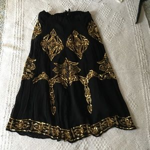 Amazing black & gold sequin skirt. Vintage beading