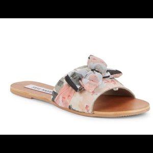 BRAND NEW Steve Madden slip on flat sandals