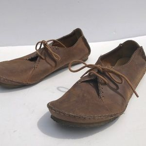 Clarks leather brown oxford flat shoes 9 1/2
