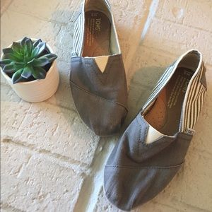 TOMS Gray and White Canvas Espadrille Flats