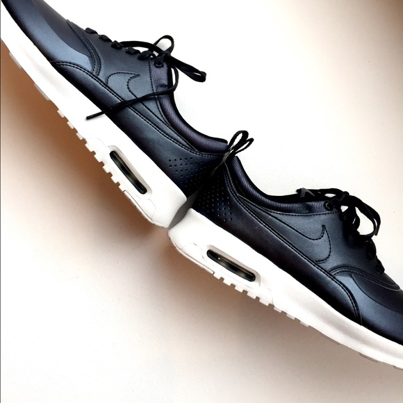 new style ec9e8 f559b LAST DAY ON POSHMARK New Nike Air Max Thea Se