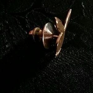 jeweler Jewelry - Playboy brooch,gold