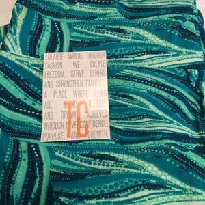 Lularoe Turquoise design TC Leggings NWT