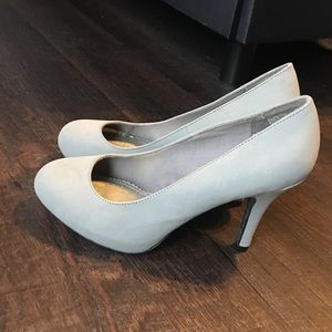 Shoes - Round Toe Grey Pump