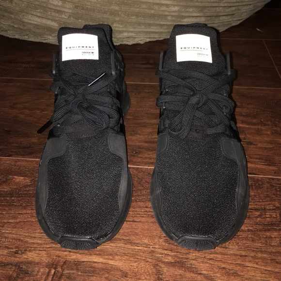 adidas schuhe, schwarze neue poshmark eqt