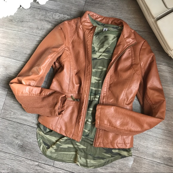 Laura Lane Jackets & Blazers - 🎉24 HOUR SALE! 🎉Camel Brown Pleather Jacket
