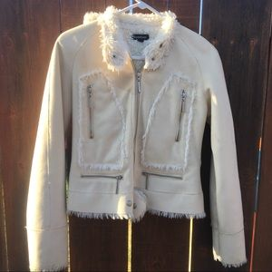 BEBE beige winter jacket w/detachable hood Small