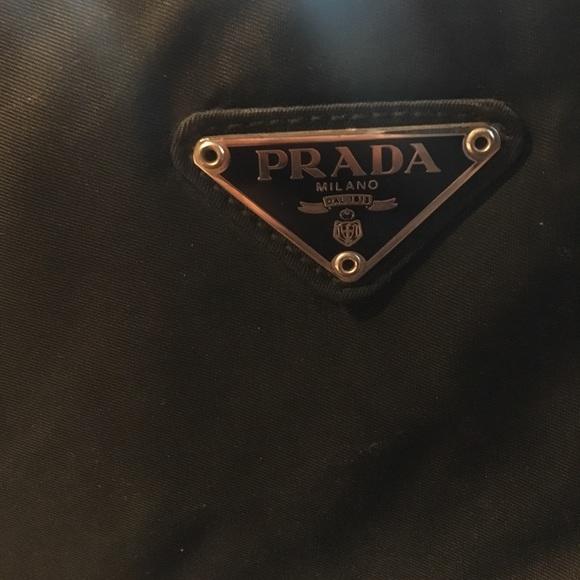 b6bd5f577fce Authentic Prada Milano Purse. M 5993ab2d4e95a3af411d33bb