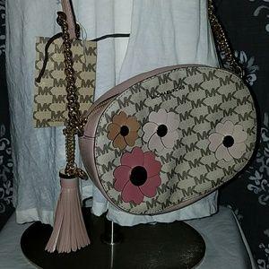 a3659606e755 MICHAEL Michael Kors Bags - ⬇$238 MICHAEL Kors Flora Appliqué Ginny Medium M