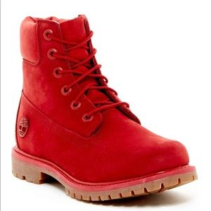 big collection hoard as a rare commodity pick up NWT Timberland Women's 6